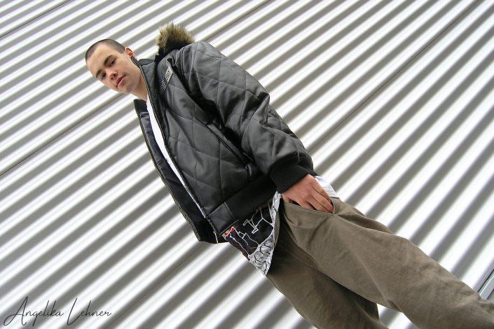 Portraitfoto einer Person beim Portrait-Shooting im Fotostudio in München Ost